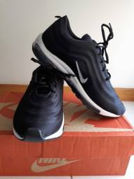 Tênis  Nike 1 linha 39