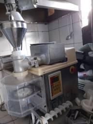 Título do anúncio: Máquina de Fazer salgados para festas