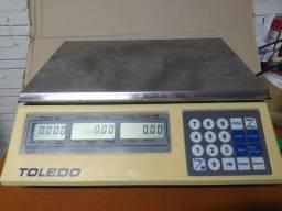 Balança Toledo 15Kg/5g com bateria: Usada toda revisada e com garantia