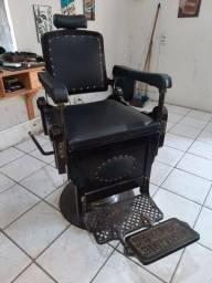 Título do anúncio: Cadeira de Barbeiro Genaro Ferrante - Patente R 8037