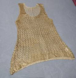 Blusa dourada só duas vezes de uso, tamanho M