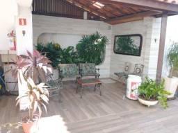 Título do anúncio: Alugue casa com 3/4 mais dependência em Itapuã.