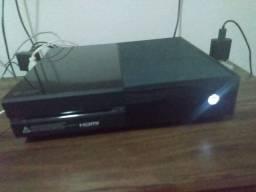 Xbox one com conta com + de 100 jogos