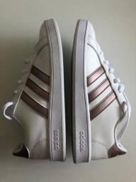 Título do anúncio: Tênis Adidas n.32 Seminovo original