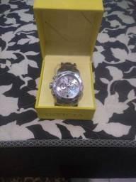 Título do anúncio: Relógio invicta original usado mais em estado de novo