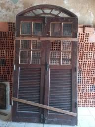 Vendo porta com forra de Jatobá