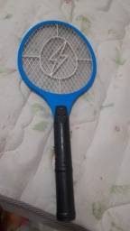 Raquete para matar mosquito