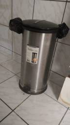 LIXEIRA DE INOX 30 litros