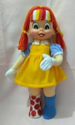 Boneca tererê customizada em Emília