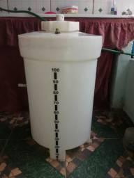 Vendo tambo para fazer filtro biológico com tampa .100litros . valor $ 120.00