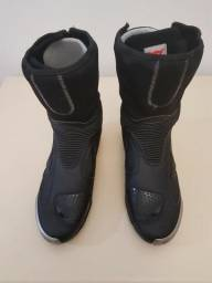 Bota Dainese Pro Axial In (sem uso) Tamanho 44 Br