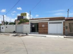 Aluga-se casa rua Luiz Carlos Aguiar Machado c/3/4, Bairro Jabotiana