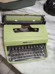 Máquina de escrever olivetti lettera 32 original , uma reliquia pra colecionadores