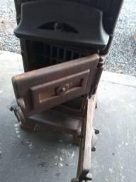 Vendo lareira antiga em ferro fundido