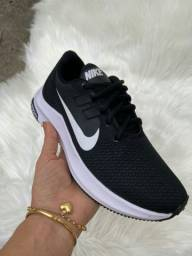 Tênis Nike Black White