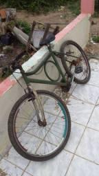 Vendo Bike pra arrumar um pneu furado