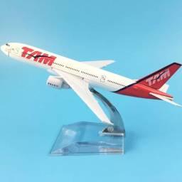 Miniaturas aviões novos na caixa