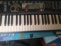 Teclado Yamaha PSR-79