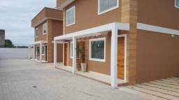 Ótima casa com portão automático e 2 quartos em Itaipuaçú!