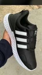 Tênis Adidas Black White