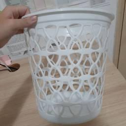Lixeira de Plástico branco