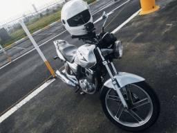 Vende-se  SUZUKI GSR 150I