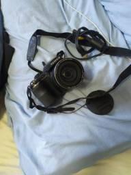 Camera Digital semi profissional Fujifilm 30X