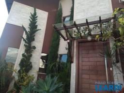 Título do anúncio: Casa à venda com 3 dormitórios em Condomínio pitangueiras, Poços de caldas cod:644833