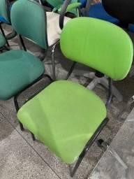 Título do anúncio: Promoção! Cadeira Simples Verde Base Fixa (Sem rodinha)