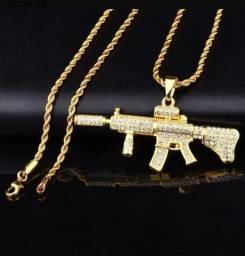 Colar M4a1 Cordão Fuzil Ar 15 Ouro Brilhante Arma Corrente<br><br>