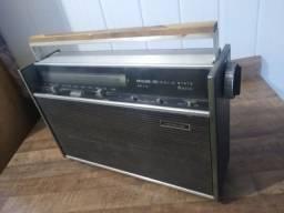 Rádio antigo Fhilco Transglobe