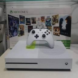 Xbox one s 1TB 1 controle vai com 2 brinde mouse e headset