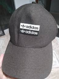 Boné Original. Marca: Adidas