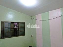 Casa com 3 dormitórios à venda, 190 m² por R$ 145.000 - Tocantins - Uberlândia/MG