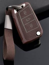 Capa de couro/camurça marrom VW c/ chaveiro
