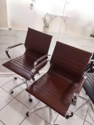 Cadeira escritório NOVA e confortável