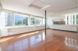 Título do anúncio: Apartamento  em excelente edifício no bairro Leblon com 3 quartos  suíte master 140m2 todo