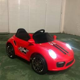 Carro infantil elétrico.
