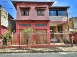 Título do anúncio: Ótima Casa no bairro São Pedro , localização privilegiada.