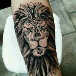 Precisa-se tatuador com experiência