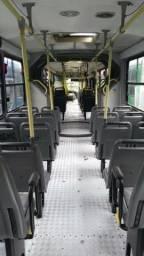 Vendo bancada de ônibus orbano