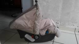 Bebê conforto semi-novo