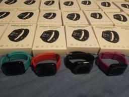 Vendo relógios inteligentes modelos D13 e Dz09
