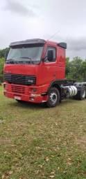 Caminhão Volvo - 2000