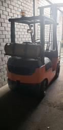 Empilhadeira Toyota - 1549