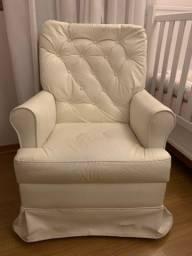 Cadeira de amamentação branca