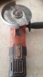 Lixadeira para retirar peças