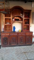 Armário de madeira boa