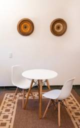Mesa + 2 cadeira eiffell