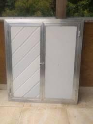 Porta de alumínio com PVC